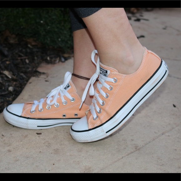 Converse All Star Low Top peach color size 7
